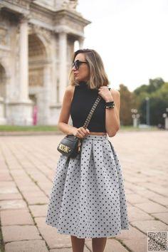 11. #Polka-dotted Midi Skirt - 13 #Street Style Ways to Wear the Midi #Skirt ... → #Streetstyle #Denim