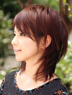 short layered hair with bangs 3