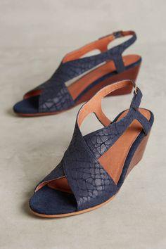 a0f5dac5f Matiko Berwyn Micro-Wedge Sandals Business Casual Dresses