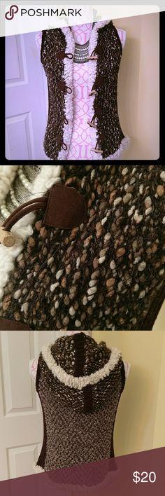 🎉Sale🎉🌸HOST PICK🌸Curio super cute vest NWOT vest from Curio very soft, very cute! Curio Sweaters