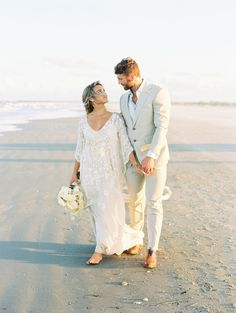 Get lost in this dreamy Cumberland Island wedding inspiration which infuses the natural tones of the beach in shades of white and oat. Nautical Wedding, Boho Wedding, Destination Wedding, Wedding Ideas, Wedding Groom, Fall Wedding, Coastal Wedding Centerpieces, Pullover, Sweatshirt