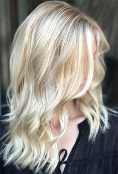 59 Icy Platinum Blonde Hair Ideas: Platinum Hair Color Shades to Inspire Blonde Hair Colour Shades, Bright Blonde Hair, White Blonde Hair, Dyed Blonde Hair, Blonde Hair Looks, Blonde Hair With Highlights, Hair Color Blondes, Ash Blonde, Brown Hair
