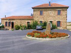 Luyego de Somoza - Centro de Turismo Rural Molino del Arriero - El Molino del Arriero Hotel es un molino de piedra reformado que data de principios del siglo XX. Se encuentra en el pueblo de Luyego de Somoza, a 60 km de León, y ofrece bicicletas de uso gratuito....