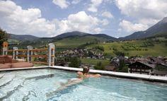 Panoramic-view pool