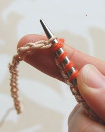 From Purl Bee: Easiest provisional cast on ever!very clear photo tutorial . Knitting Help, Knitting Stitches, Knitting Yarn, Knitting Patterns, Crochet Patterns, Provisional Cast On Knitting, Double Knitting, Yarn Projects, Knitting Projects