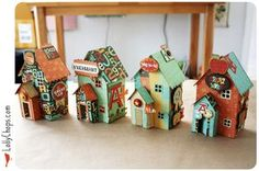 Crate Paper Houses whit a mini álbum inside Clay Houses, Putz Houses, Paper Houses, Cardboard Houses, Miniature Houses, Home Crafts, Crafts For Kids, Diy Crafts, Glitter Houses
