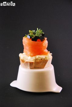 Bocadito de salmón, mascarpone y gelatina de balsámico