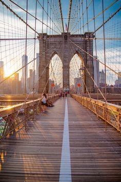 New York Discover Gotham by Markus De - Photo 146463629 - New York Wallpaper, City Wallpaper, Wallpaper Lockscreen, New York Life, Nyc Life, City Aesthetic, Travel Aesthetic, Best Places In New York, Photographie New York