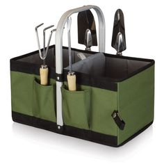 Four individual pockets strategically sewn onto the expanded exterior of the basket hold four convenient gardening tools (included) that don't get in the way when the basket is folded.