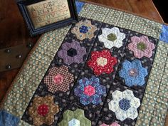 Hexagon Miniature Quilt - Kathy Tracy