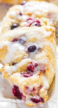 The Best Glazed Mixed Berry Scones - If you've always thought scones were dry this easy recipe will change your mind forever! The Best Glazed Mixed Berry Scones - If you've always thought scones were dry this easy recipe will change your mind forever! Brunch Recipes, Breakfast Recipes, Dessert Recipes, Sweets Recipe, Recipes Dinner, Just Desserts, Delicious Desserts, Yummy Food, Best Scone Recipe