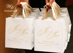 40 Mr & Mrs Welcome Bags with Champagne satin ribbon and names – Custom Personalized Wedding Gifts a 40 Mr & Mrs Welcome Bags mit Champagner Satin von WeddingUkraine Cheap Wedding Gifts, Wedding Gift Baskets, Elegant Wedding Favors, Wedding Gift Bags, Wedding Gifts For Guests, Best Wedding Gifts, Wedding Welcome Bags, Wedding Party Favors, Personalized Wedding Gifts