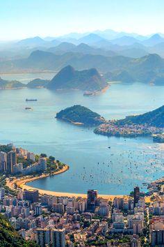 Rio de Janeiro by Thanat Charoenpol