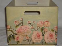 Holzkiste Vintage Nostalgie Rosen Groß von AlmaArt auf DaWanda.com