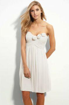 Short Wedding Dresses for the Beach. http://simpleweddingstuff.blogspot.com/2013/12/short-wedding-dresses-for-beach.html