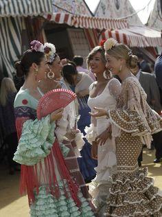 Spanish style – Mediterranean Home Decor Spanish Dress, Spanish Style, Spanish Fashion, Horse Costumes, Dance Costumes, Gypsy Culture, Flamenco Dancers, Flamenco Dresses, Ballroom Dancing