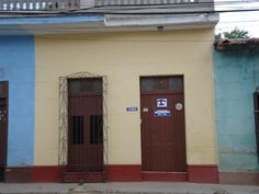 Casa Zenia Wanda Owner:                 Wanda              City:                     Trinidad               Address:               Camilo Cienfuegos 380 entre Alameda y Guasima            Breakfast:              Yes 5CUC Lunch/ diner:           Yes 12-15CUC Number of rooms:   3