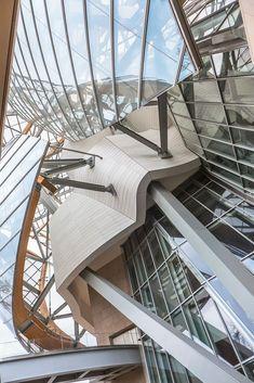 Paris, Fondation Louis Vuitton by Frank Gehry. Paris, Fondation Louis Vuitton by Frank Gehry. Architecture Design, Futuristic Architecture, Beautiful Architecture, Contemporary Architecture, Chinese Architecture, Architecture Office, Frank Gehry, Zaha Hadid, Fondation Louis Vuitton