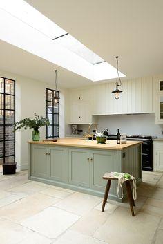 The Islington N1 Kitchen by deVOL