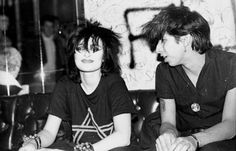 Siouxsie Sioux and Kid Congo at the Whiskey a go go, just after Kid joined the Cramps. Siouxsie Sioux, Siouxsie & The Banshees, The Cramps, Whiskey A Go Go, Goth Music, Love Songs Lyrics, Cinema, Here Kitty Kitty, Music Icon