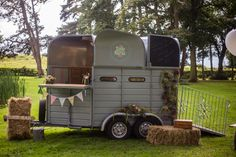 Say I do, to our Luxury mobile horse box bar. Perfect for couples who love to be different.