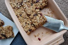 The Oatmeal Cranberry Almond Bars That Work for Breakfast, a Snack, orDessert