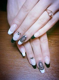 Аккуратные ногти, Двухцветный френч, Дизайн ногтей с узором, Зимний маникюр 2017, Зимний френч, Идеи черно-белого маникюра, Маникюр для бизнес леди, Маникюр на длинные ногти