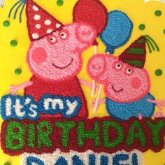 Peppa Pig cake with Cupcakes. Buttercream.