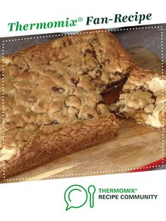 Recipe Chocolate Chip Cookie Dough Cheesecake Slice by learn to make this recipe easily in your kitchen machine and discover other Thermomix recipes in Baking - sweet. Thermomix Cheesecake, Cookie Dough Cheesecake, Thermomix Desserts, Chocolate Chip Recipes, Chocolate Chip Cookie Dough, Sweet Cookies, Food N, Recipes Dinner, Sweet Recipes