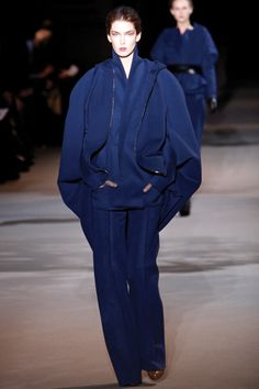 Haider Ackermann Fall 2012, Trend Report - Size Matters. Oversized outerwear and inflated sleeves: Exaggerated volume is a key message. Balance these larger-than-life looks by playing with proportions.