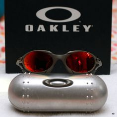 You'll love oakley from here only New apparel New design for you. make yourself look more wonderful with oakley in Oakley Glasses, Cool Glasses, Buy Sunglasses, Christmas Gift For You, Budget Fashion, Love Is All, Make It Yourself, Cycling Glasses, Runway Fashion