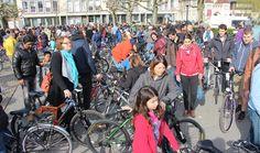 An der erfolgreichen 30. Auflage der Velobörse von Pro Velo Brugg-Windisch, hatten Autos auf dem Eisi für einmal nichts zu suchen. Bicycle, Vehicles, Veils, Switzerland, Overlays, Bicycle Kick, Bike, Bicycling, Cars