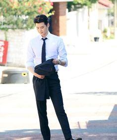 While You Were Sleeping Lee Jong Suk Cute, Lee Jung Suk, Asian Actors, Korean Actors, Korean Actresses, Asian Boys, Asian Men, Lee Jong Suk Wallpaper, Kang Chul