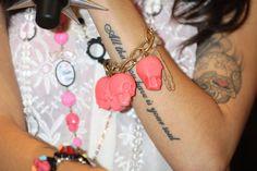 tattoos pictures | Cher Lloyd Unterarm Tattoo pinkes Totenschädel Armband Foto | Posh24 ...