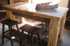 Love the legs on this table!! Need to go scouting and scrounging with Ricky again!