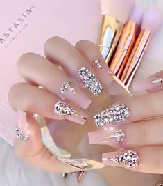 Image uploaded by 𝓈𝒶𝓂𝒶𝓃𝓉𝒽𝒶 𝓈𝑒𝓇𝑒𝓃𝒶 ✰. Find images and videos about fashion, pink and beauty on We Heart It - the app to get lost in what you love. Birthday Nail Designs, Birthday Nails, Birthday Design, Pretty Nail Art, Beautiful Nail Art, Diamond Nails, New Nail Art, Nail Accessories, Bling Nails
