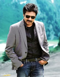 We have already reported that a huge birthday bash for megastar Chiranjeevi is currently going on in a plush hotel in Hyderabad. Latest update is that power star Pawan Kalyan has made an entry to the bash. This news has brought a huge joy amon Full Hd Pictures, Galaxy Pictures, Star Pictures, Hd Photos, Pawan Kalyan Wallpapers, Latest Hd Wallpapers, Movie Wallpapers, Wallpaper Photo Hd, Windows Wallpaper