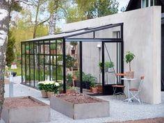 Pergola Ideas For Patio Refferal: 4365176362 Greenhouse Attached To House, Cheap Greenhouse, Greenhouse Interiors, Backyard Greenhouse, Backyard Fences, Greenhouse Ideas, Pallet Greenhouse, Portable Greenhouse, Diy Fence