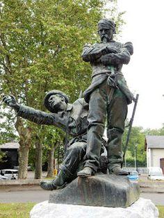 Monument aux Mobiles de 1870 . Oloron. Rond-Point de la gare. Béarn . Pyrénées-Atlantiques