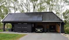 Timber Garage, Carport Garage, Country Farmhouse Exterior, Garage Workbench Plans, Carport With Storage, Garage Guest House, Black House Exterior, Carport Designs, Car Barn