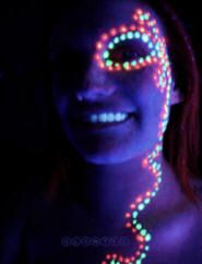 Face paint ideas for a Neon Run! Almost makes me want to take up running! Glow In Dark Party, Glow Party, Neon Painting, Body Painting, Pintura Facial Neon, Glow Face Paint, Glow Run, Party Make-up, Full Moon Party