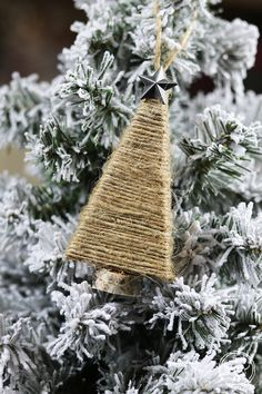 Diy christmas crafts 423901383676947538 - 70 DIY Christmas Ornaments – Best Homemade Christmas Tree Ornaments Source by hannahtownsand Easy To Make Christmas Ornaments, Christmas Craft Projects, Handmade Christmas Decorations, Christmas Ornaments To Make, Simple Christmas, Holiday Crafts, Christmas Diy, Homemade Ornaments, Farmhouse Christmas Ornaments Diy