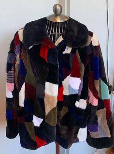 Manteau de castor rasé multicouleurs tons de bruns pâle avec rouge Shearing, Sweaters, Jackets, Fashion, Coats, Brown, Fur, Red, Down Jackets