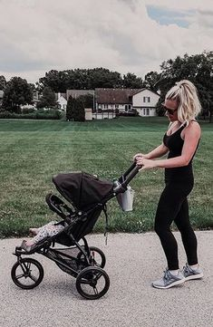 📷 @nikispender   Our lightest and slimmest urban solution, MB mini provides convenience and ease for families on the go.