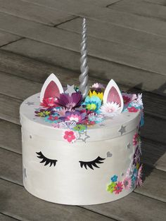 Unicorn keepsake box or pot for Unicorn theme birthday, flowers, sequins, Rhinestones, customizable - Pimprenelle coccinelle - Unicorn Valentine, Valentine Day Boxes, Valentine Crafts, Valentines, Envelope Box, Party Decoration, Unicorn Birthday Parties, Keepsake Boxes, Small Gifts