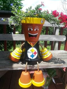 Pekes Artistry Terra cotta pot Steelers dude - Modern Pekes Artistry T Flower Pot Art, Flower Pot Design, Clay Flower Pots, Flower Pot Crafts, Clay Pot Projects, Clay Pot Crafts, Crafts To Make, Arts And Crafts, Diy Crafts