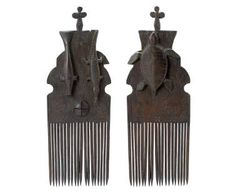 A Rare Comb (Kerem Seker) TORRES STRAIT ISLANDS carved hardwood 39CM HIGH PROPERTY FROM A PRIVATE COLLECTION, UNITED STATES OF AMERICA Estimate: 12,000 - 18,000 dollars