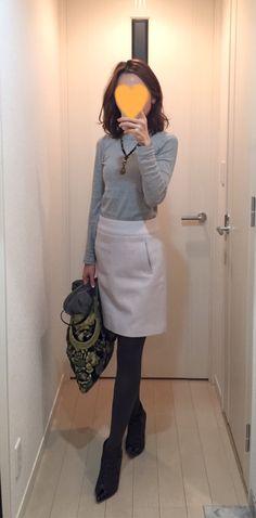 Grey tee: three dots, Skirt: Ballsey, Bag: JAMIN PUESH, Boots: Extraordinary Jane