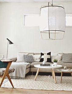 Salon aux tons épurés / Scandinavian living room / Tendance : la Z1 lamp par Nelson Sepulveda - FrenchyFancy