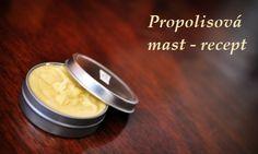 Propolisová mast - je nejlepší na kožní problémy, vyrážky, ekzémy, poranění.Lze ji koupit v lékárně, ale také si ji můžemepřipravit sami doma: potřebujeme 10-20 g propolisu na 10 g vazelíny. Obě složky společně zahřívámena velmi mírném plameni (ideální je vodní lázeň - jako bychom rozehřívali čokoládu) 8-10 minut, občas zamícháme.Když mast trochu ochladne, propasírujeme ji přes velmi jemné sítko (pokud je ještě tekoucí) nebo gázu (pokud je už tužší). Přendáme...
